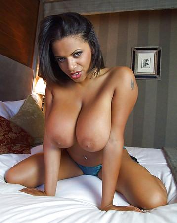 big beautiful tits    gorgeous black women