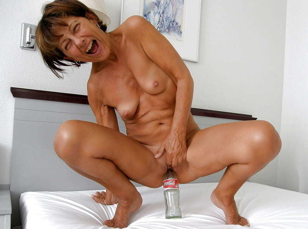 Hot Milf Masturbation Porn Galery