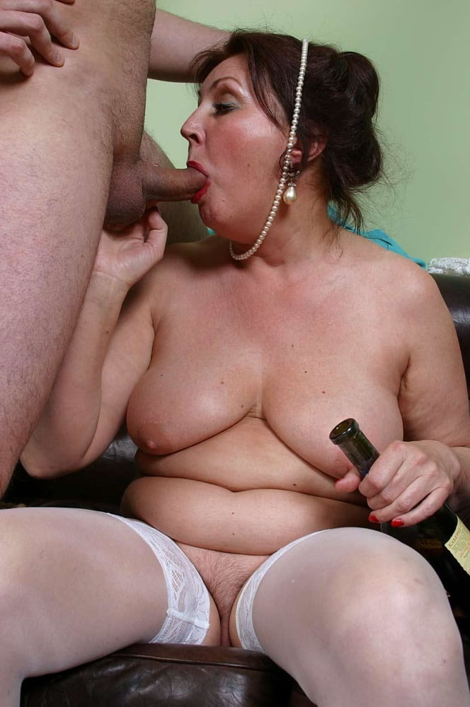 Hot women blowjob