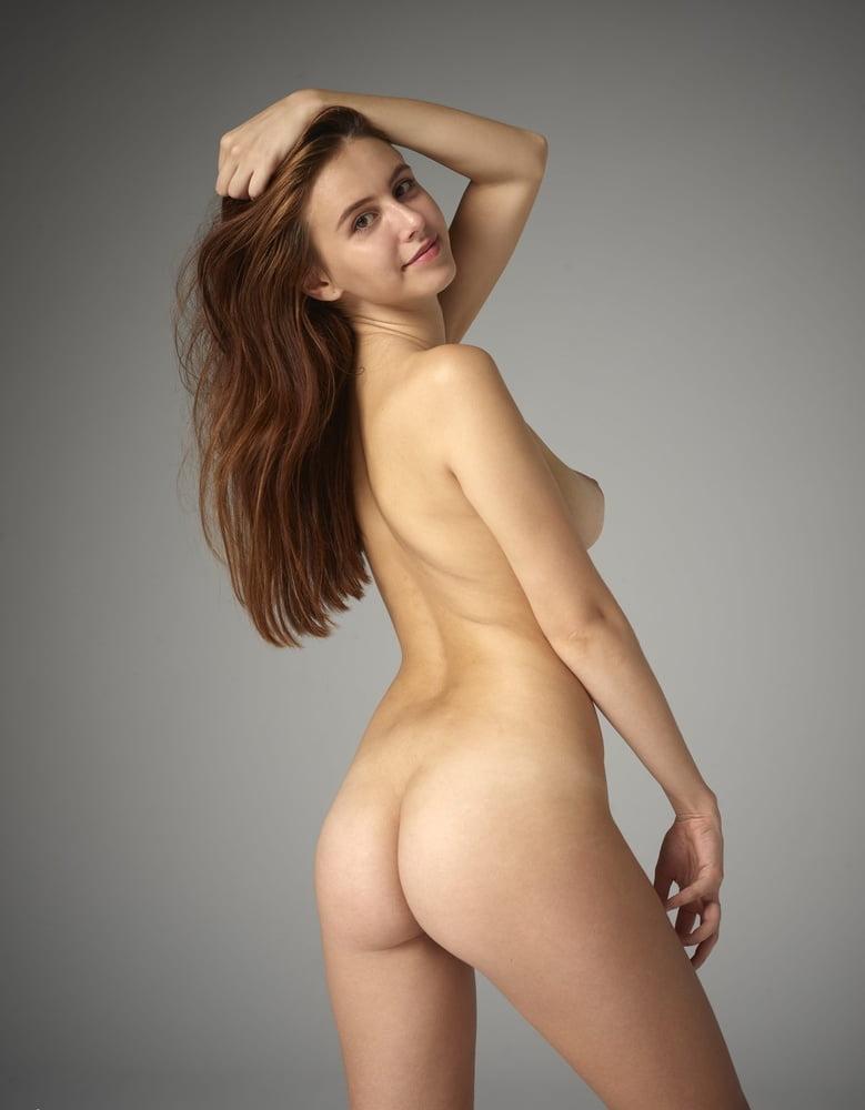 Angie nude pics