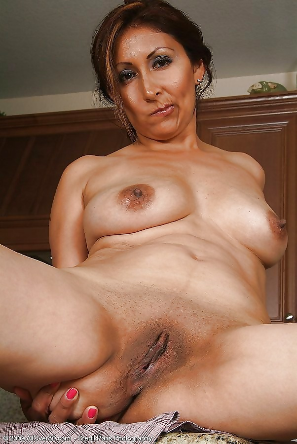 Latina mom nude free gallery — pic 9