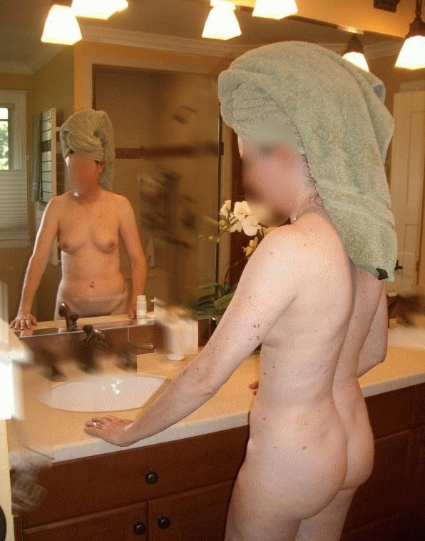 Sexy aunty in bathroom-3667