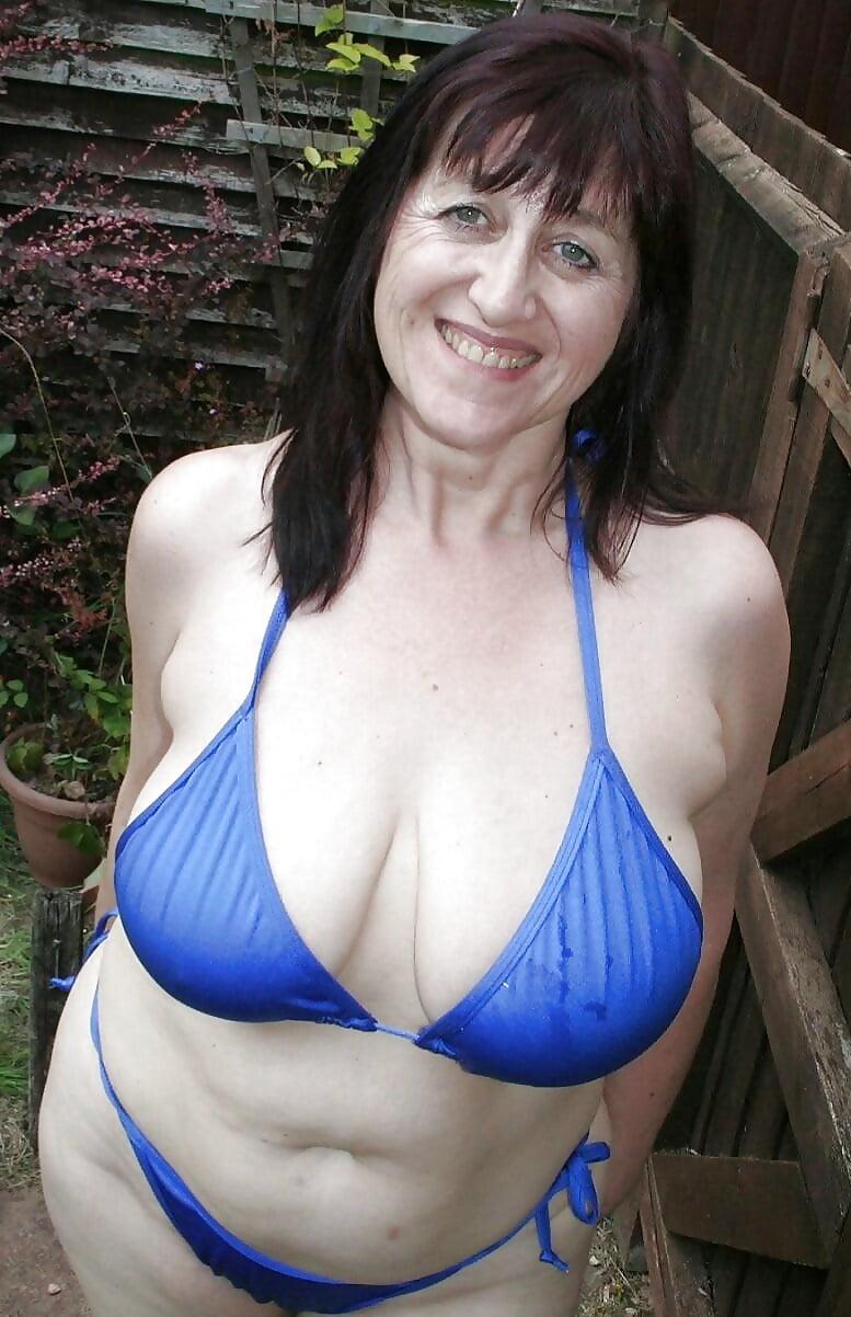 мамашек зрелых огромные груди