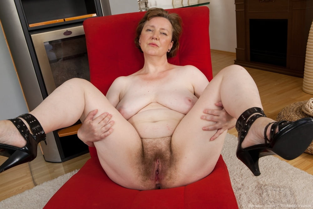 Hairy mature photo pussy