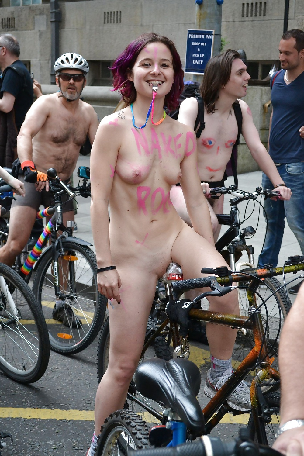 Cyclists Have A Wheelie Good Time Getting Their Clothes Off