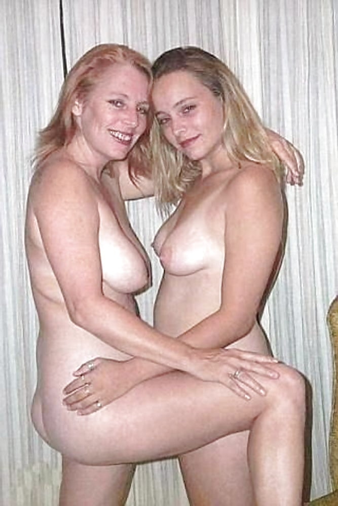 Nude aussie mother and daughters — photo 9