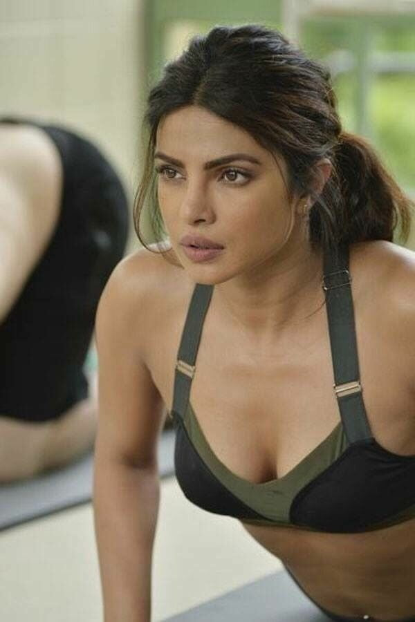 Priyanka chopra sexy photo open