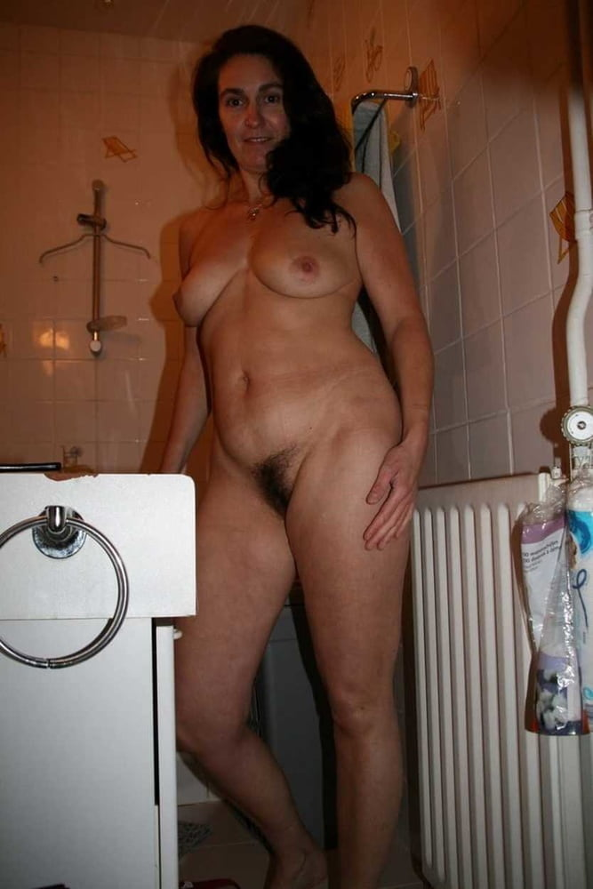 From MILF to GILF with Matures in between 276 - 494 Pics