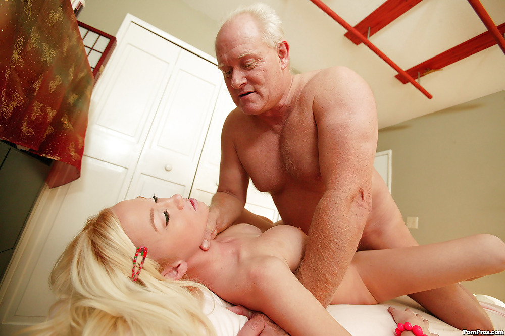 sex-with-a-older-man-sex-pics-emo-blonde