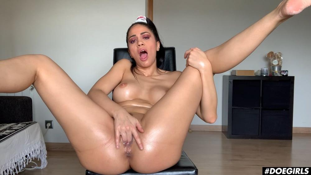 Big Tits Romanian Babe Anal Solo Masturbation Orgasms - 22 Pics