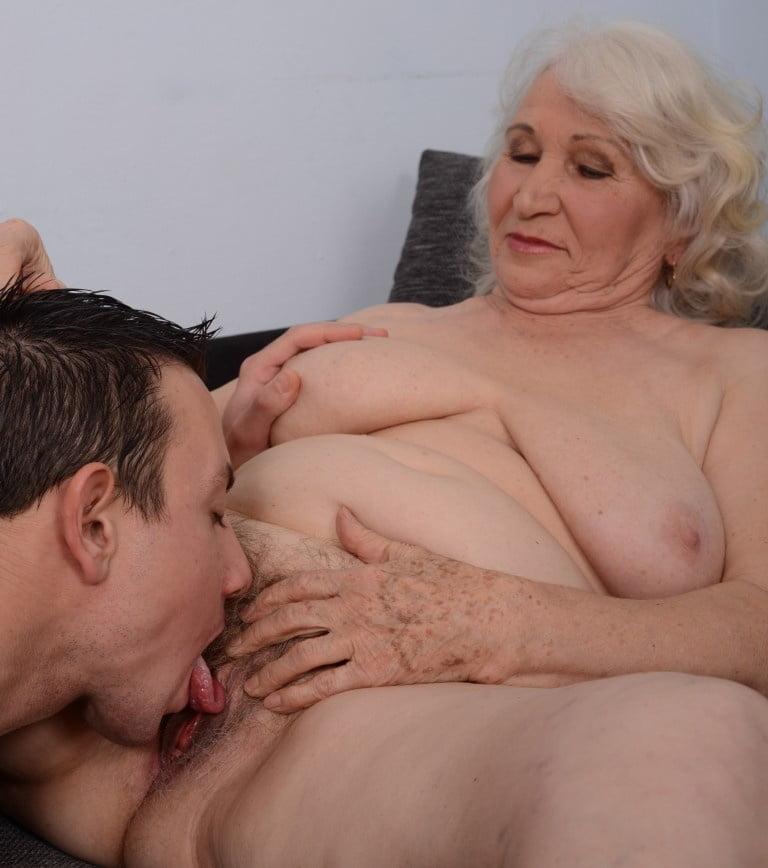 Grandma Pussy Eat Porn