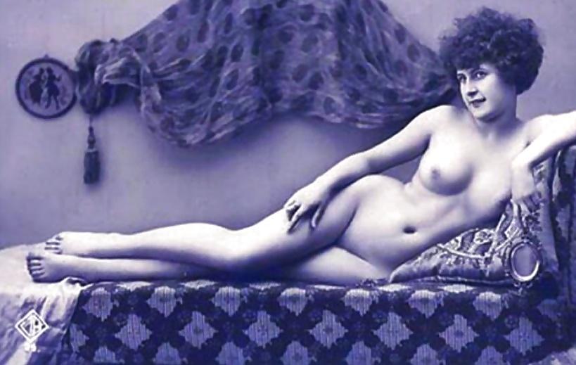 erotika-retro-italiya-foto-ogromnaya-kitayskaya-grud