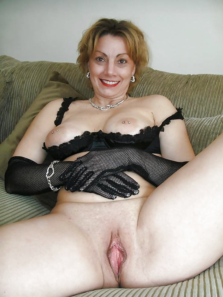 Красивые зрелые дамы эротика машиной дает