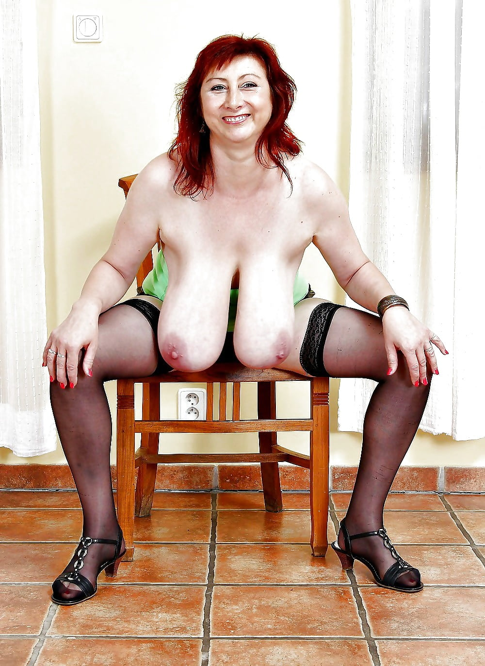 Big breasted nude mature women-3851