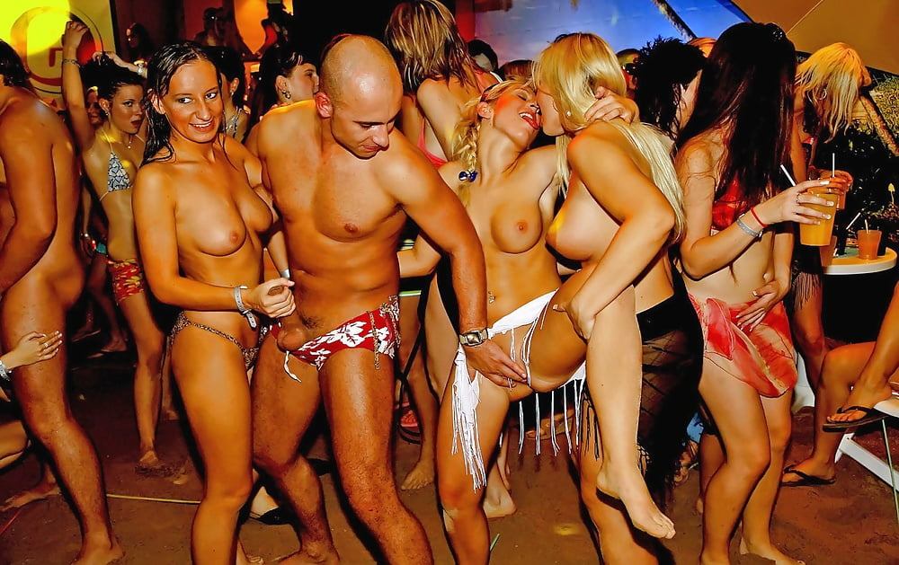 swinging-party-nudes
