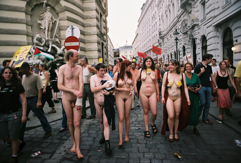 Free femen protest porn pics