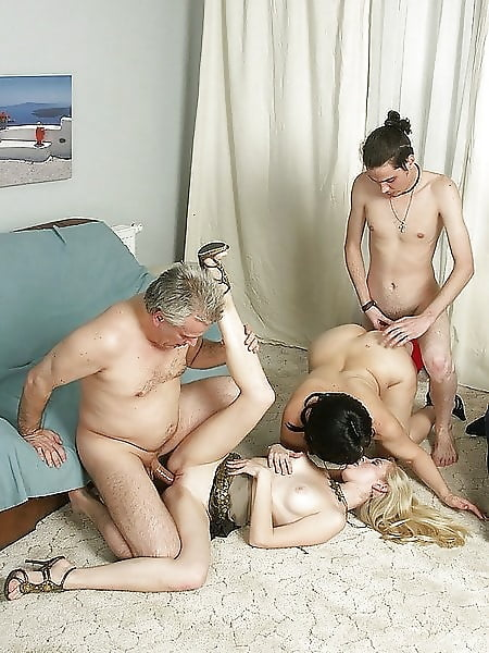 Порно фото моей семьи — img 14