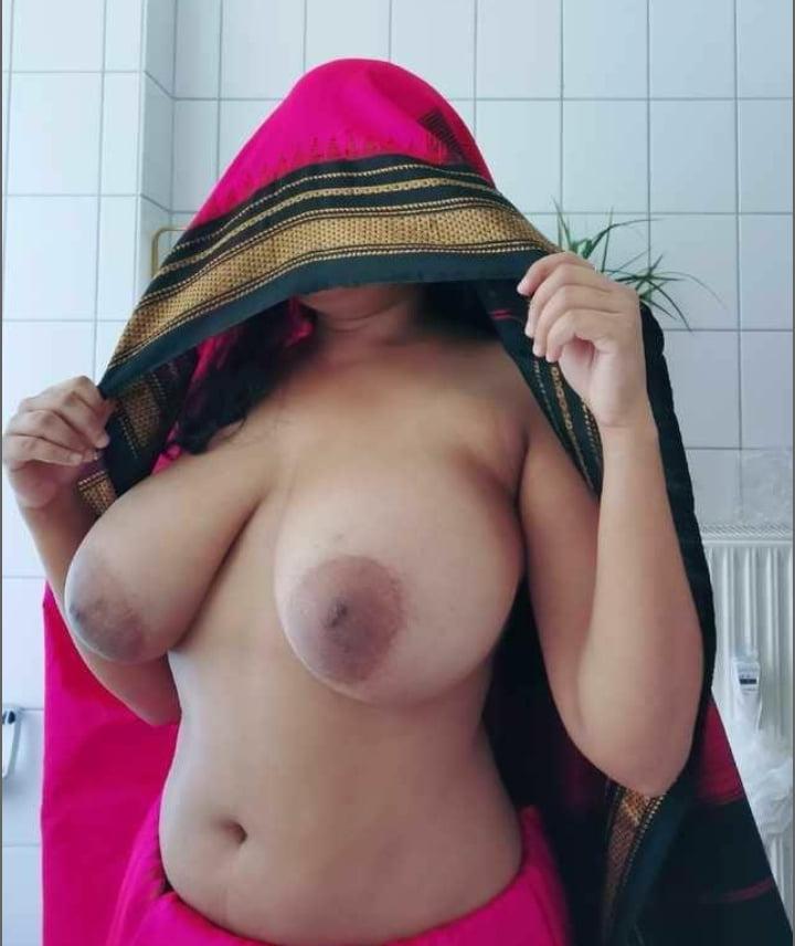 Porn pics boobs big Milf Boobs
