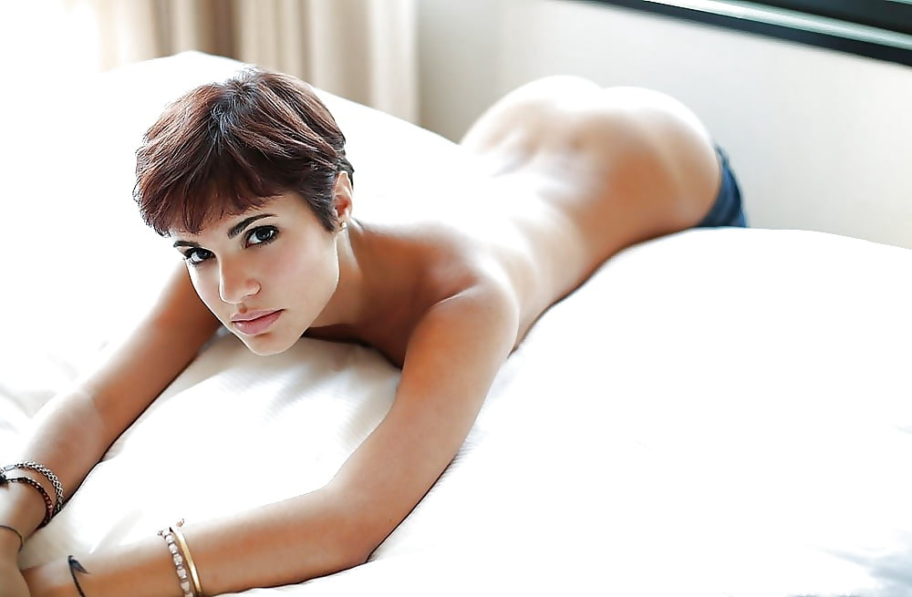 naked-sexy-girl-short-hair