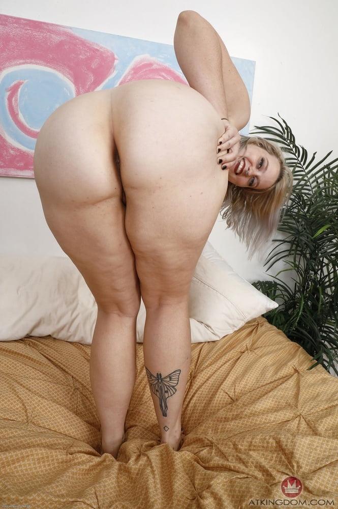 Chubby blonde boobs