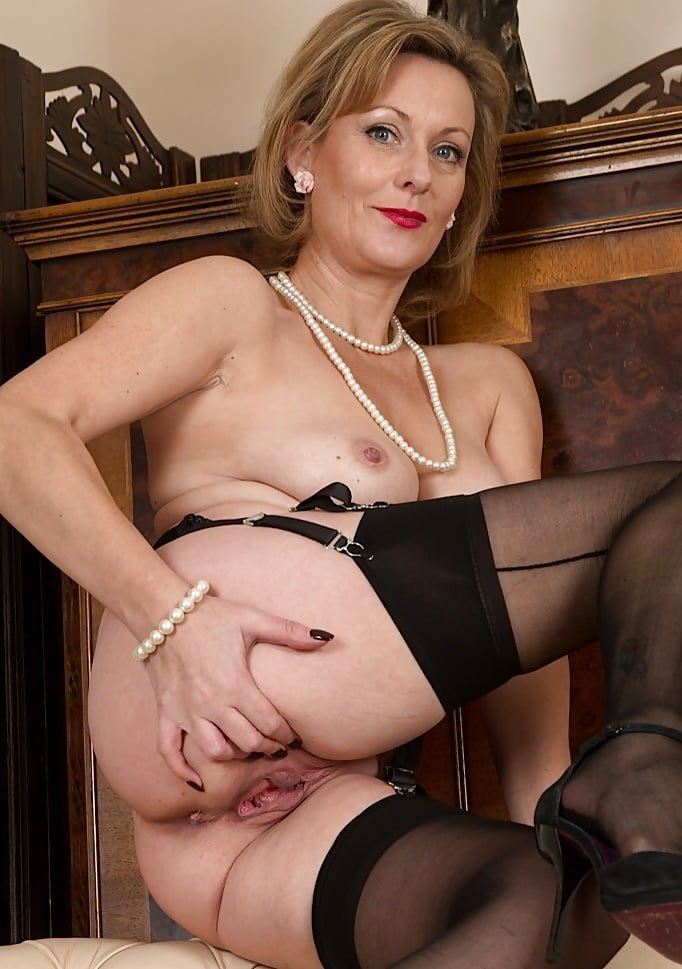 Elegant Old Lady Nude Xxx