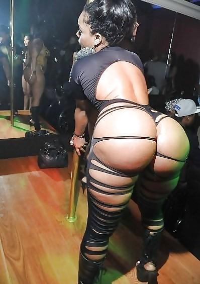 Hot Ass Sexy Stripping Webcam Girl