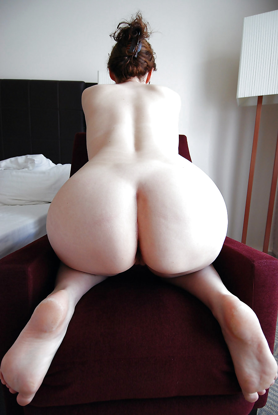 Skinny White Girl With Huge Bubble Butt