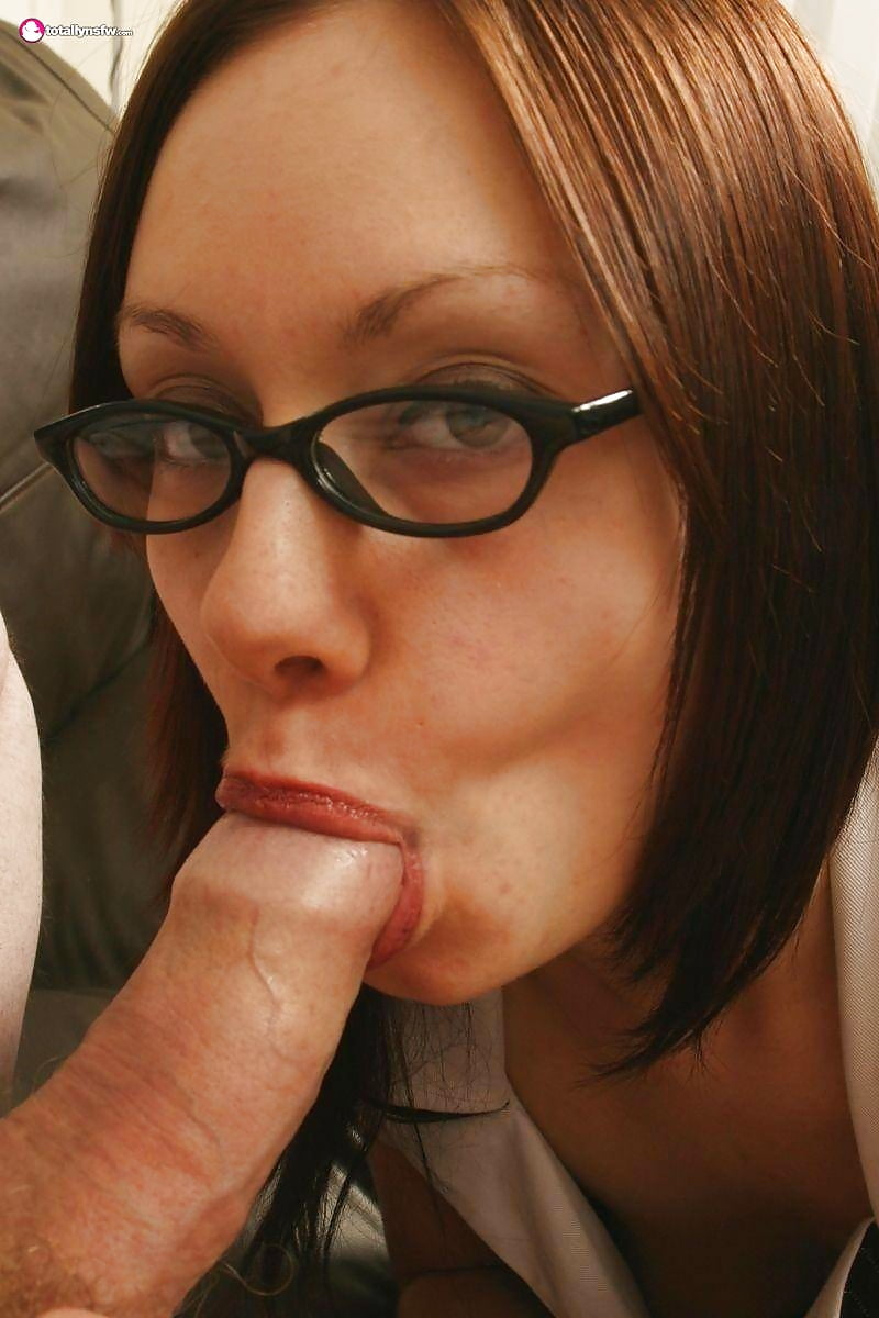 Old milf glasses outdoor blowjob — 5
