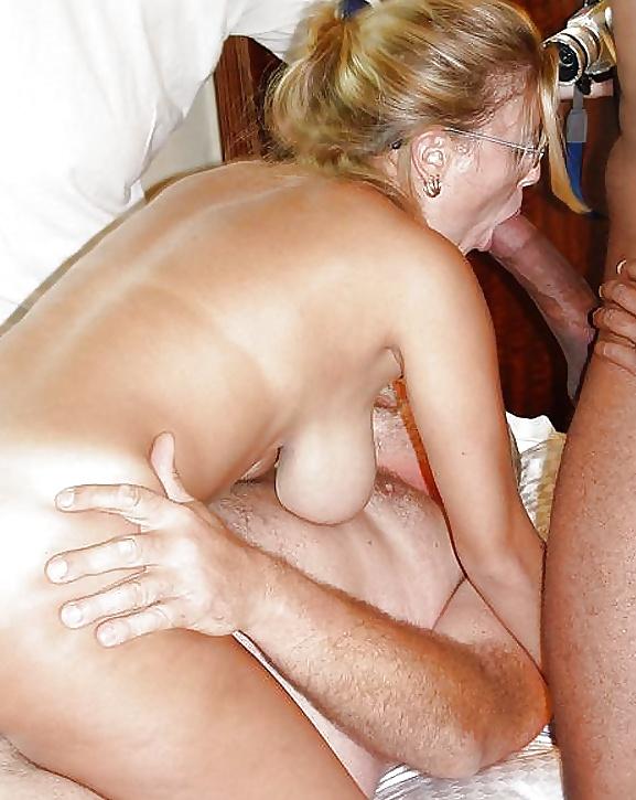 Смотреть порно русская зрелая женщина в кабинете четыре