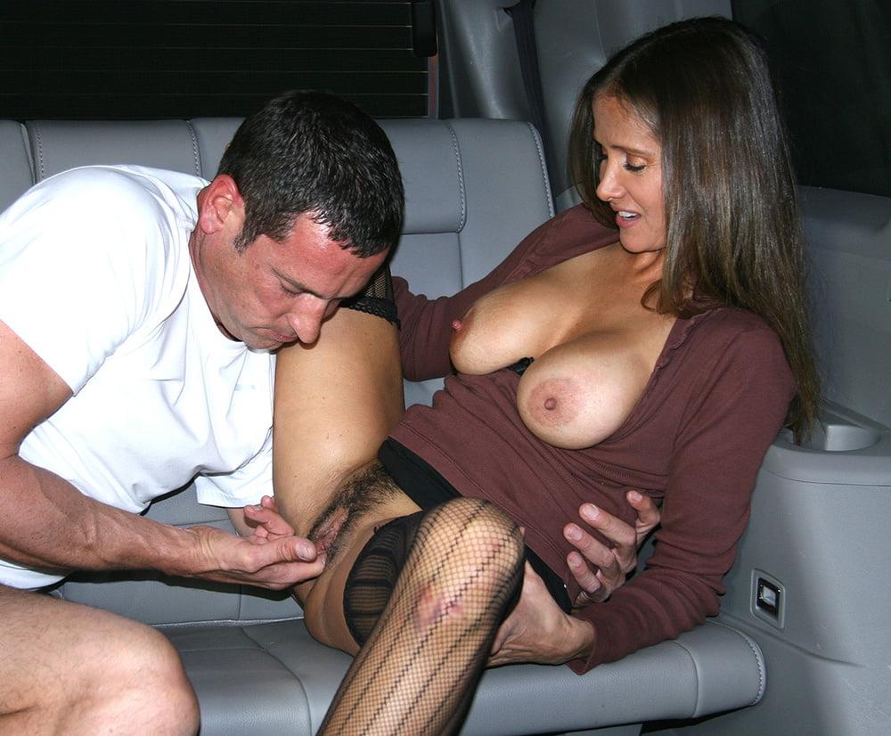 Порно измена мужу в машине