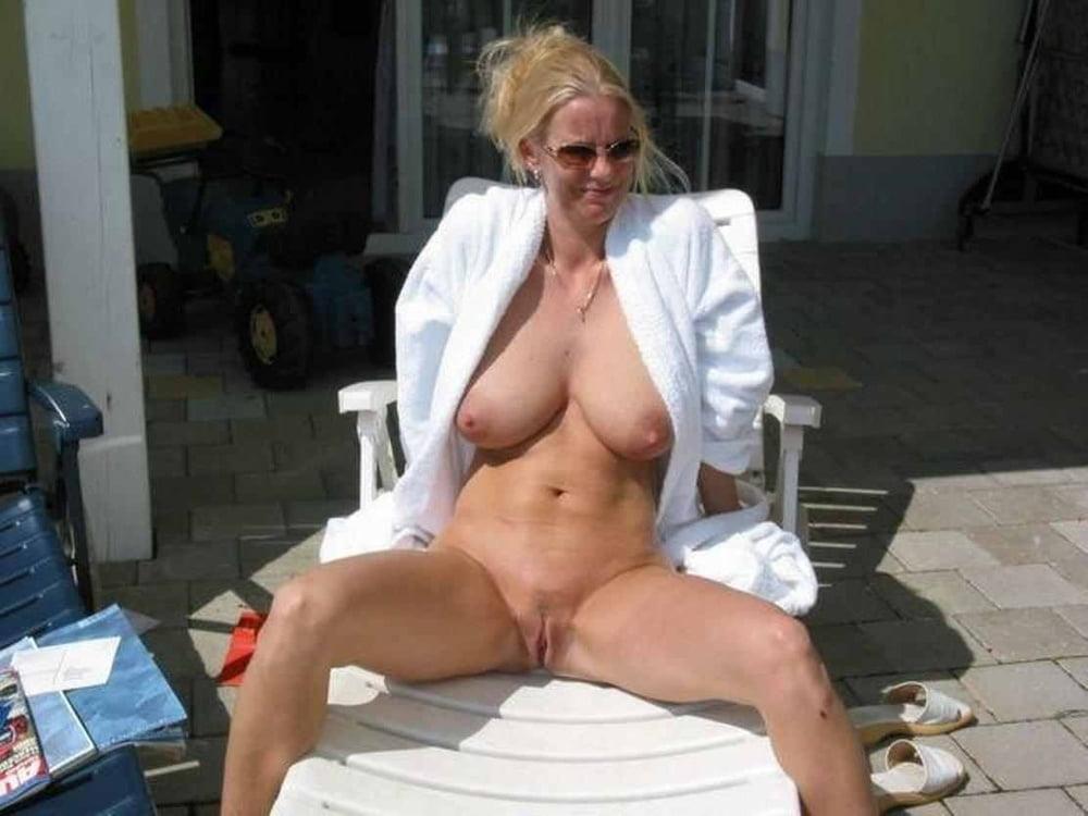 Erotic sequence striptease amateur