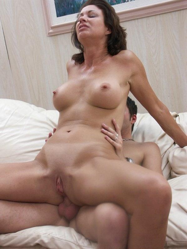 GROUP SEX - 93 Pics