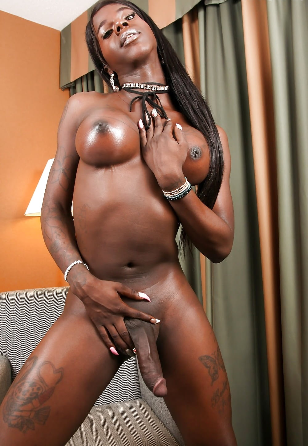 temptress ladyboy chelsea marie and ts morena black bangs hard