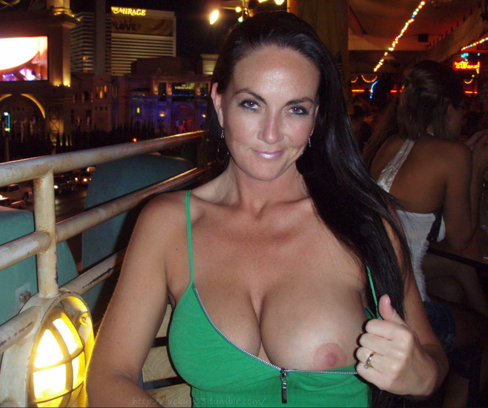 Stunning Beauty Gladly Shows Huge Breasts For Cameraman