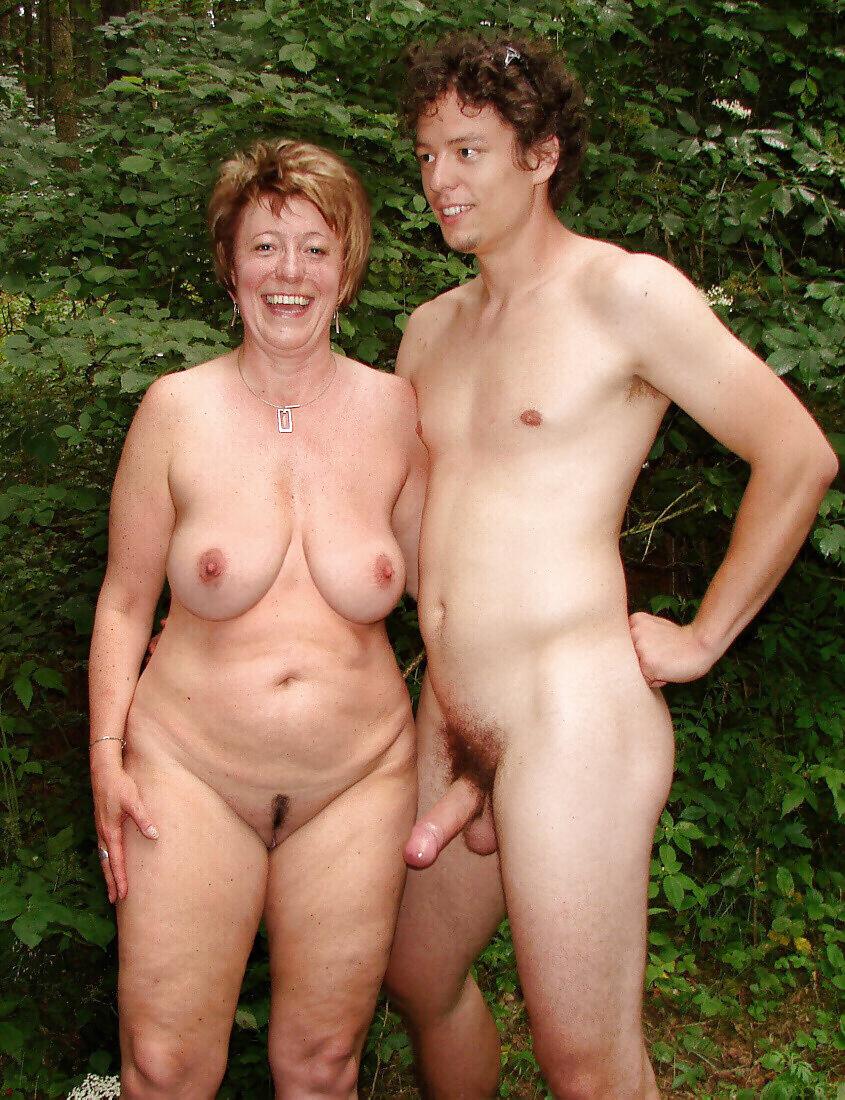 Nude mom photos — img 2