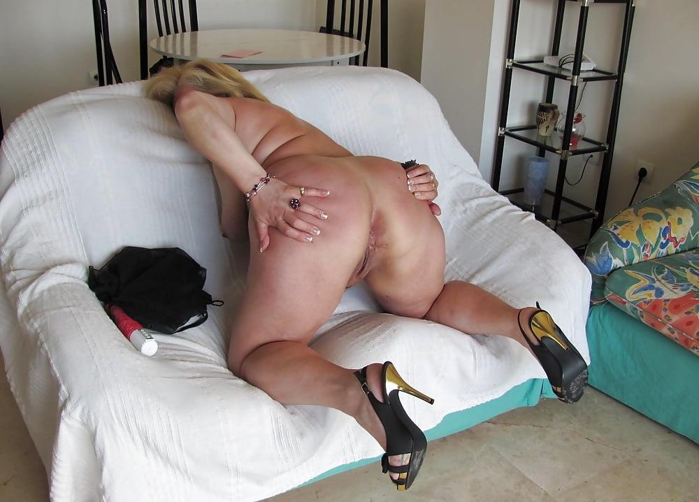 Lonndon big old slut fisting milk free xxx galeries