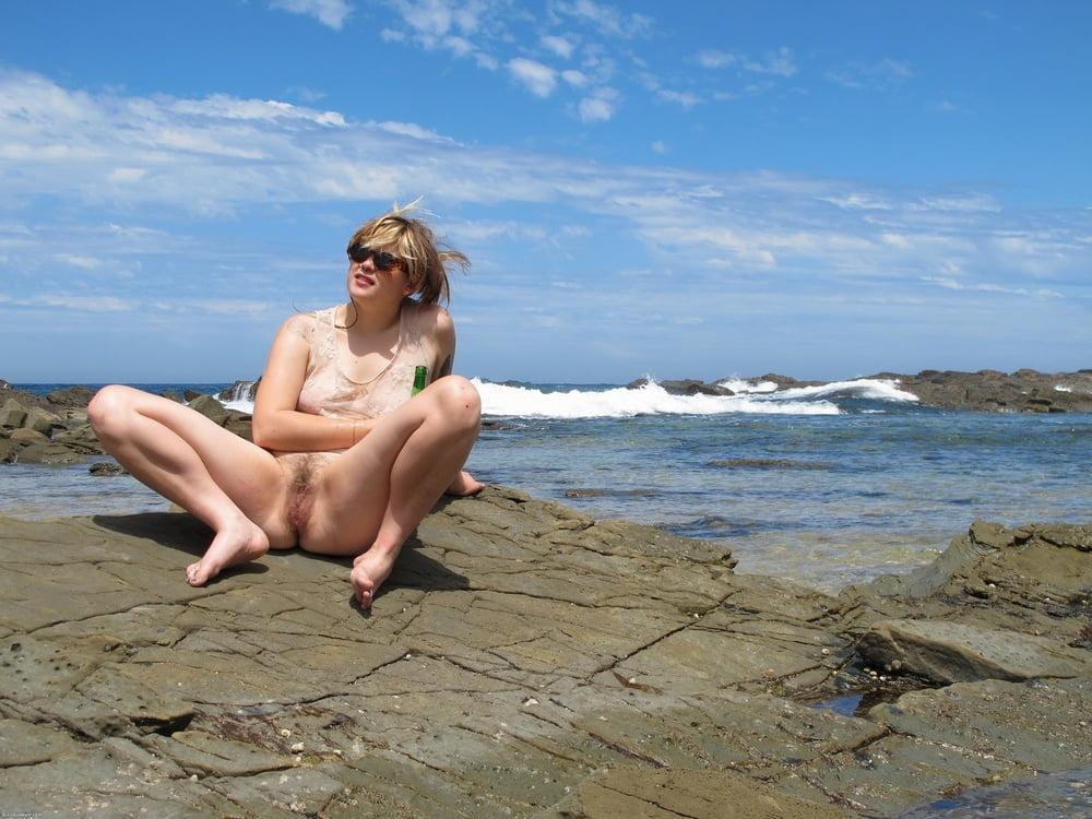 фото голой супруги жены на отдыхе и отпуске просто