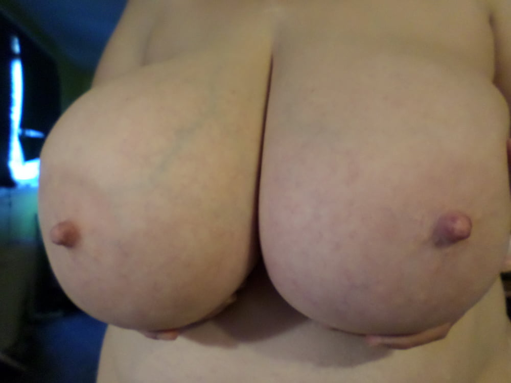 Natural boobs threesome-2147