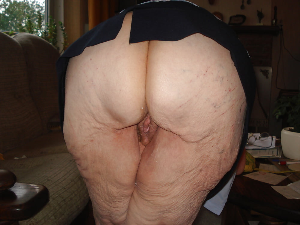 Задницы бабок фото