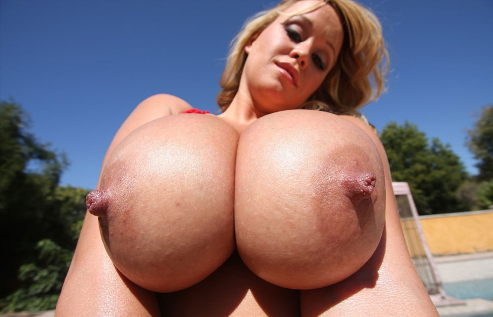 free-huge-boobs-pics
