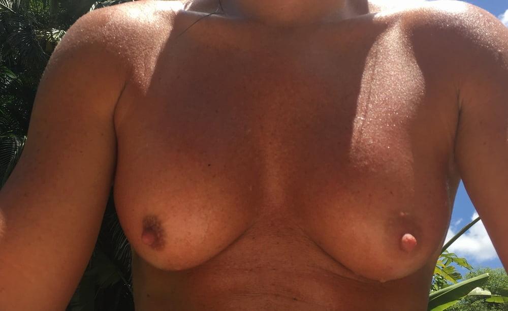 Naked females outside-8300