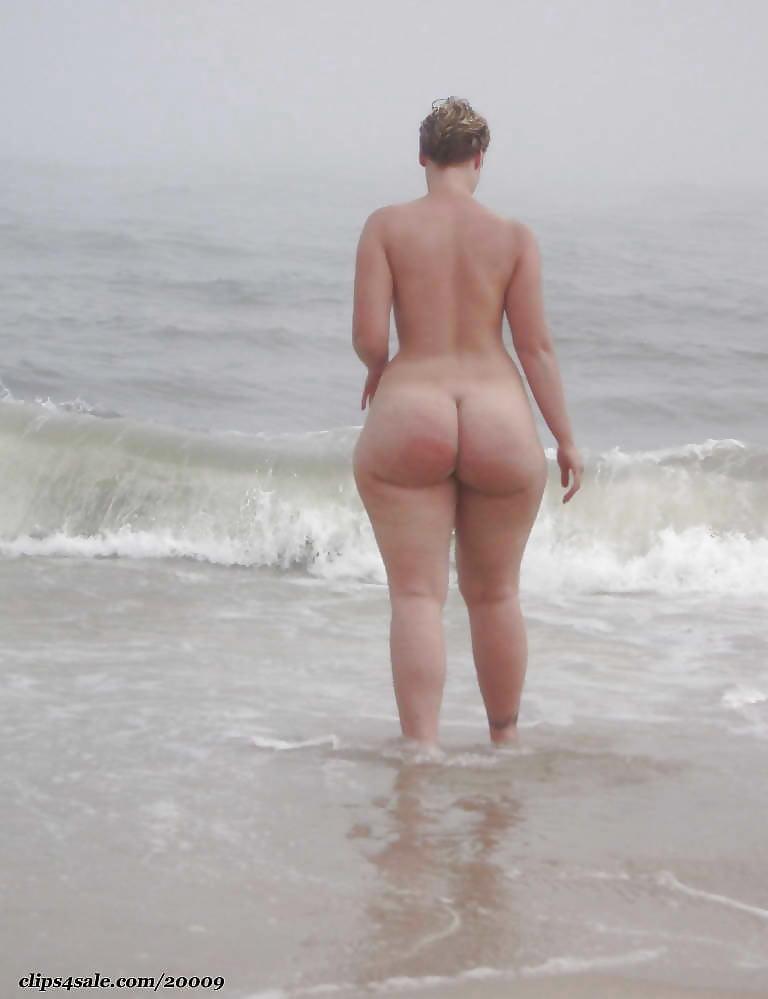 Hot girls takeing dildos anal