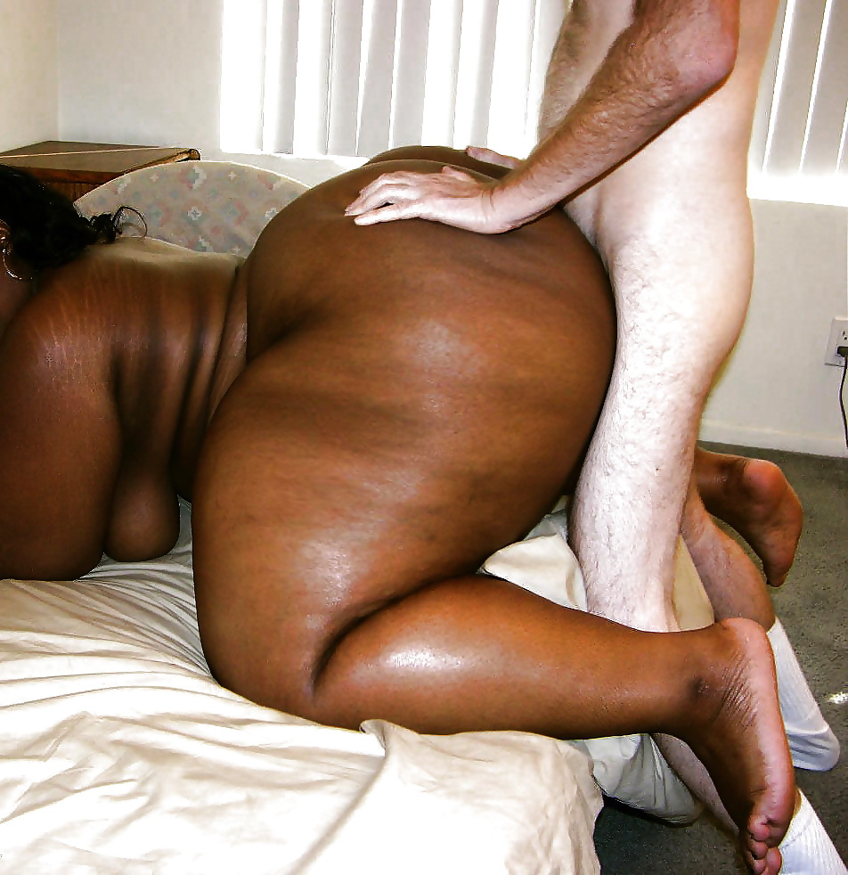 Bombastic fat butt ebony babe finger fucked and drilled in her ass hole by big black cock
