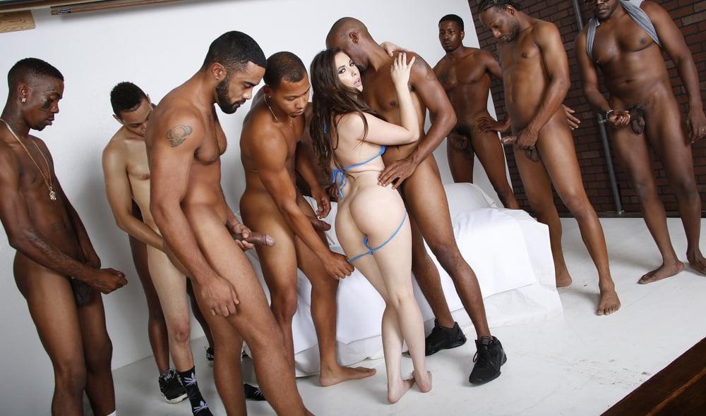 Подарок день нигерские девушки и женщины голые фото много делает лучший