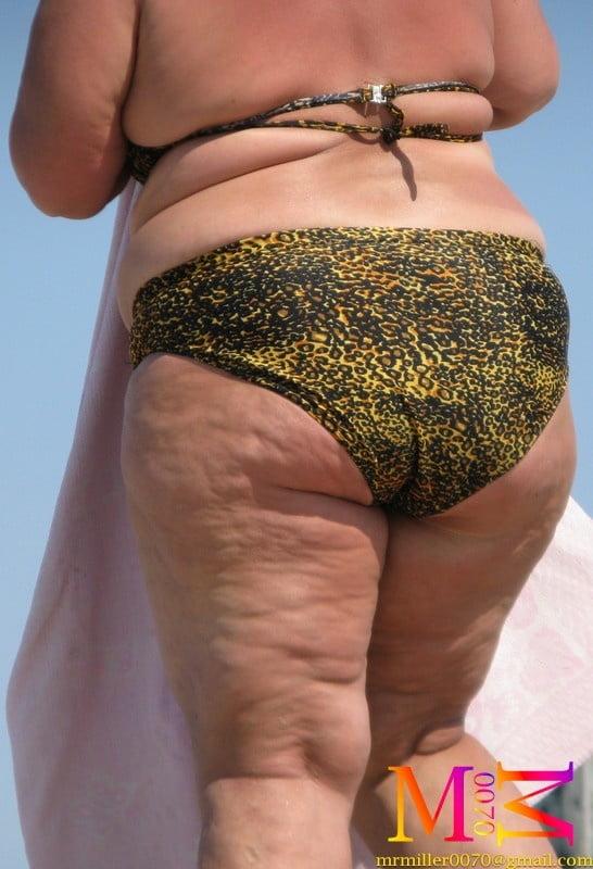 Perfect BBW in bikini (Beach Voyeur samples) - 55 Pics