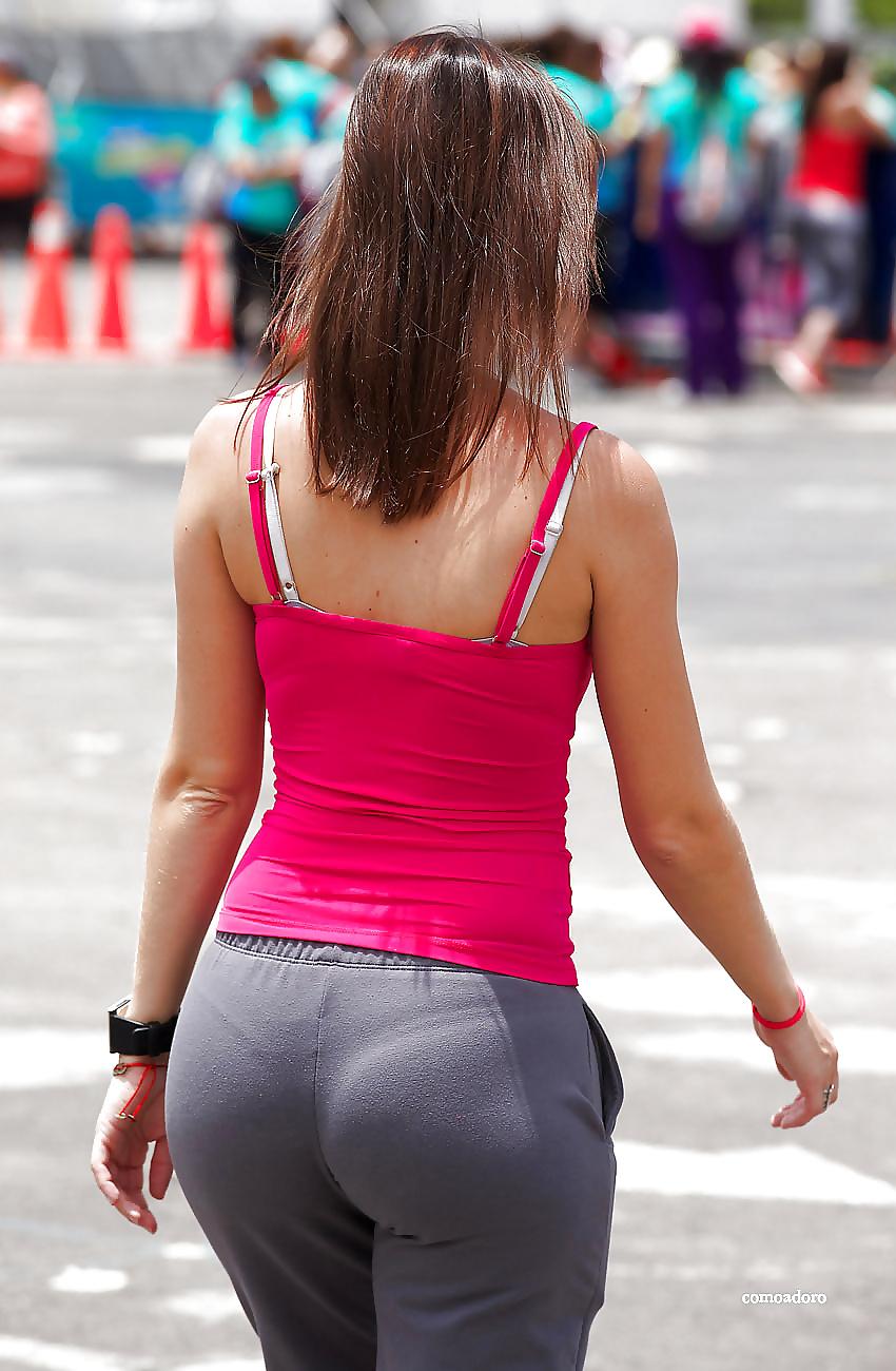 pre-girl-butt-licker