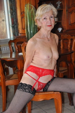 Nackt old free granny bild Free Granny