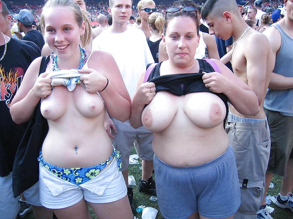 Naked Redneck Wives