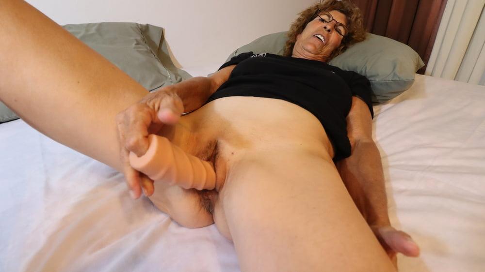 Mature Granny with Dildo - 15 Pics