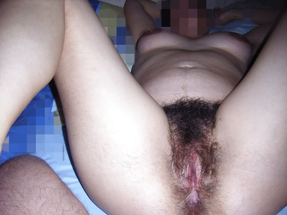 The wife fucked in the hairy cunt